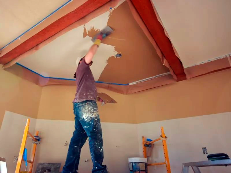 Ремонт в квартире потолок своими руками 52